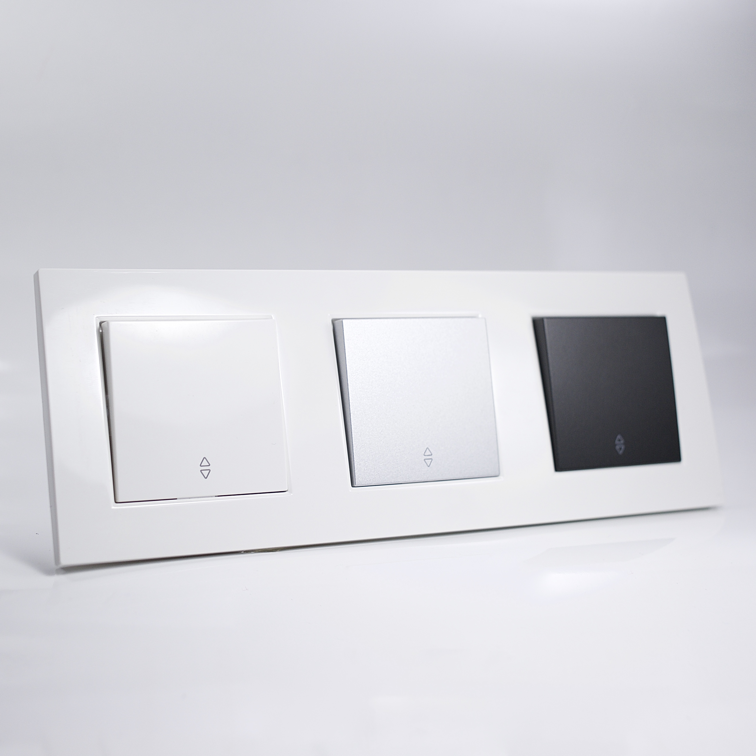 plaque de finition triple plastique blanc. Black Bedroom Furniture Sets. Home Design Ideas