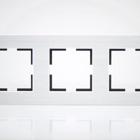 Plaque de finition triple Métal Alu