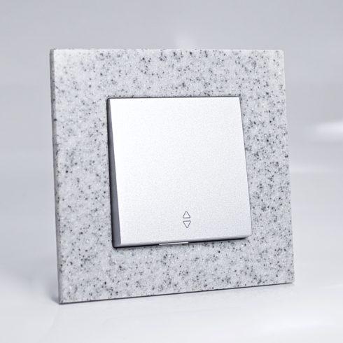 plaque de finition corian cr puscule 1 poste 84x87x10mm distock mat riel lectrique et. Black Bedroom Furniture Sets. Home Design Ideas