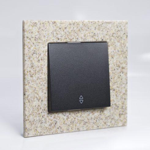 plaque de finition corian gr s 1 poste 84x87x10mm distock mat riel lectrique et solutions d. Black Bedroom Furniture Sets. Home Design Ideas