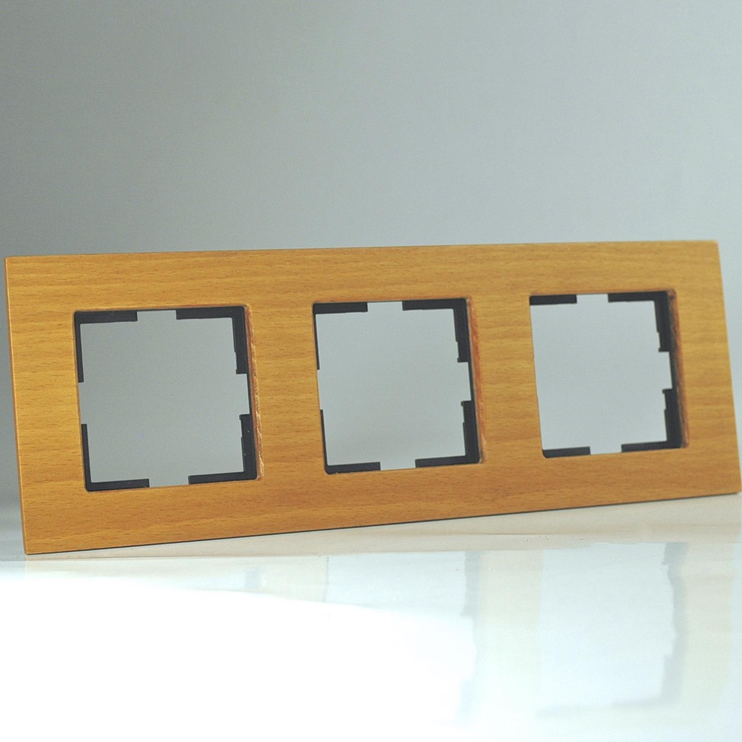 plaque de finition bois massif noix 3 postes 84x230x10mm distock mat riel lectrique et. Black Bedroom Furniture Sets. Home Design Ideas